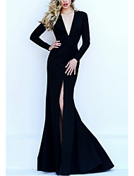 cheap -Mermaid / Trumpet V Neck Floor Length Satin Long Sleeve Formal Black Wedding Dresses with Split Front 2020