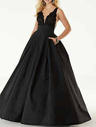 cheap -Ball Gown V Neck Floor Length Lace / Satin Sexy / Black Homecoming / Prom Dress with Pleats / Beading 2020