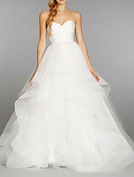 cheap -Ball Gown Wedding Dresses Strapless Floor Length Tulle Sleeveless Formal with Cascading Ruffles 2021
