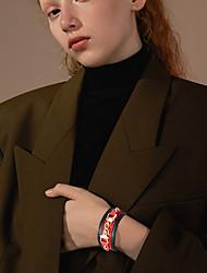 Недорогие -Браслет цельное кольцо Кожаные браслеты Браслет Заклепки Мода Простой Классика европейский Камни Мода Кожа Браслет Ювелирные изделия Зеленый / Черный Назначение