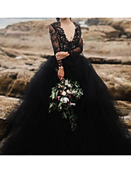 cheap -A-Line Plunging Neck Sweep / Brush Train Polyester Long Sleeve Country Plus Size / Black Wedding Dresses with Lace Insert / Appliques 2020