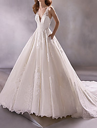 cheap -A-Line Wedding Dresses Plunging Neck Court Train Lace Tulle Sleeveless Country Plus Size with Lace 2020