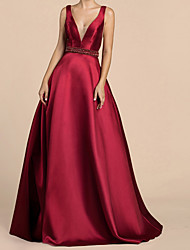 cheap -Ball Gown V Neck Sweep / Brush Train Satin Sexy / Red Wedding Guest / Prom Dress with Crystals / Beading 2020