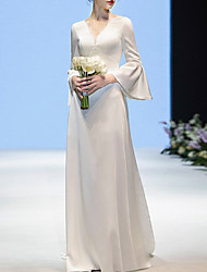 cheap -Sheath / Column V Neck Sweep / Brush Train Chiffon Long Sleeve Casual / Beach Wedding Dresses with Lace Insert / Embroidery 2020