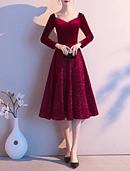cheap -A-Line Glittering Red Cocktail Party Prom Dress Sweetheart Neckline Long Sleeve Knee Length Velvet with Sequin 2020