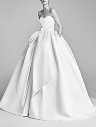 cheap -Ball Gown Strapless Sweep / Brush Train Satin Sleeveless Beach Wedding Dresses with Ruched 2020