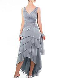 cheap -A-Line V Neck Asymmetrical Chiffon / Satin Sleeveless Sexy Mother of the Bride Dress with Cascading Ruffles 2020