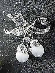 cheap -Women's Cubic Zirconia Brooches Classic Butterfly Stylish Simple Classic Brooch Jewelry Gold Silver For Party Gift Daily Work Festival