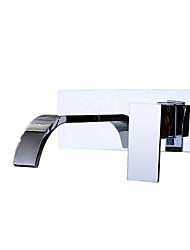 Недорогие -Смеситель для раковины в ванной комнате - настенное крепление хромированная медь настенная установка однорычажные краны из латуни