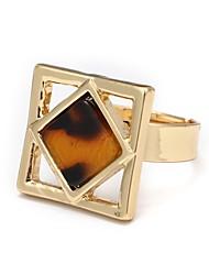 Недорогие -Жен. Регулируемое кольцо Золотой Искусственный бриллиант Сплав Квадратный Мода Бижутерия