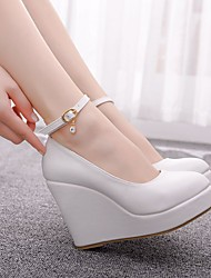 cheap -Women's Wedding Shoes Wedge Heel Round Toe Sparkling Glitter / Buckle PU Classic / Sweet Spring & Summer / Fall & Winter White