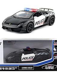 Недорогие -1:36 Игрушечные машинки Модель авто Машинки с инерционным механизмом Полицейская машинка Музыка и свет Металл