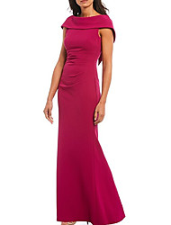 cheap -Sheath / Column Mother of the Bride Dress Sexy Bateau Neck Floor Length Polyester Sleeveless with Ruching 2021