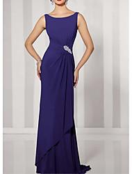 cheap -Sheath / Column Mother of the Bride Dress Elegant Sexy Jewel Neck Sweep / Brush Train Chiffon Sleeveless with Beading Draping 2021