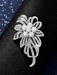 cheap -Women's Pearl Brooches Hollow Out Flower Fashion Imitation Pearl Brooch Jewelry Gold For Dailywear Date