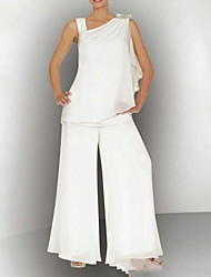 cheap -Pantsuit / Jumpsuit Mother of the Bride Dress Sexy Bateau Neck Floor Length Chiffon Sleeveless with Crystals 2021
