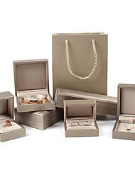 Недорогие -Квадратный Упаковка ювелирных изделий - Золотой 4 cm 7.5 cm 5.5 cm / Жен.