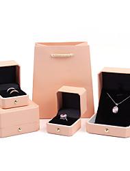 Недорогие -Квадратный Упаковка ювелирных изделий - Светло-розовый, Небесно-голубой 4 cm 7.5 cm 5.5 cm / Жен.