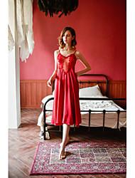 Недорогие -дамы сексуальные подтяжки ночная рубашка женщины лето плюс размер домашнего обслуживания
