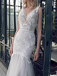 cheap -Mermaid / Trumpet Wedding Dresses V Neck Sweep / Brush Train Tulle Polyester Sleeveless Country Plus Size with Lace Insert Appliques 2020