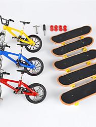 Недорогие -8 pcs Палец скейтборды пластик со сменными колесами и инструментами Сувениры для гостей для детских подарков / Металл / Детские