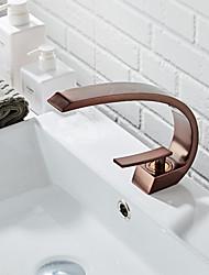 Недорогие -Смеситель для раковины в ванной комнате - стандартная масляная бронза, центральная часть, одинарная ручка