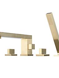 Недорогие -смеситель для ванны - современная палубная римская ванна Смесители для душа из латуни с ручным душем