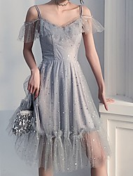 Недорогие -блестки-линии блестящий серый короткое плечо спагетти ремень длиной до колен шифон платье для коктейля возвращения на родину