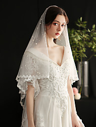 cheap -One-tier Lace Applique Edge / European Style Wedding Veil Fingertip Veils with Faux Pearl Tulle / Drop Veil