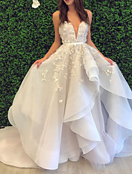 cheap -Ball Gown Wedding Dresses V Neck Spaghetti Strap Sweep / Brush Train Lace Organza Sleeveless Formal with Appliques Cascading Ruffles 2020