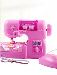 Недорогие -Ролевые игры Пластик Швейная машина Мини Оригинальные Электрический Детские Все Дары