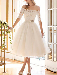cheap -A-Line Wedding Dresses Off Shoulder Tea Length Lace Tulle Half Sleeve Vintage Sexy Wedding Dress in Color Backless with Crystal Brooch 2020