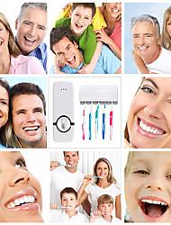 Недорогие -творческий новый автоматический зубной пасты выдавливания диспенсер выдвижной монтажный инструмент аксессуары на стене, чтобы чистить зубы случайный цвет