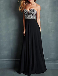 cheap -A-Line Sparkle Black Engagement Formal Evening Dress Sweetheart Neckline Sleeveless Sweep / Brush Train Chiffon with Pleats Beading 2020