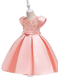 cheap -Ball Gown Knee Length Wedding / Party Flower Girl Dresses - Lace / Mikado Short Sleeve Jewel Neck with Bow(s) / Beading