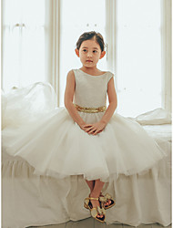 cheap -Ball Gown Tea Length Wedding / First Communion / Birthday Flower Girl Dresses - Lace / Tulle Sleeveless Jewel Neck with Bows / Belt