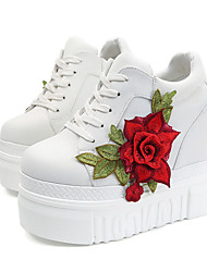 cheap -Women's Sneakers Spring / Fall Hidden Heel Round Toe Daily Outdoor Flower Canvas White / Black / Red