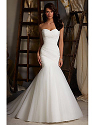 cheap -Mermaid / Trumpet Wedding Dresses Sweetheart Neckline Court Train Tulle Strapless Simple Sexy Little White Dress with Ruched 2020