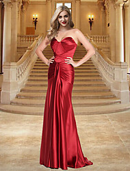 cheap -Sheath / Column Open Back Formal Evening Dress Sweetheart Neckline Sleeveless Sweep / Brush Train Stretch Satin with Ruched 2020