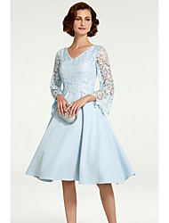 cheap -A-Line Mother of the Bride Dress Elegant See Through V Neck Knee Length Chiffon Lace 3/4 Length Sleeve with Lace 2020