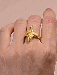 billige -Dame Ring Vielsesring Belle Ring 1pc Guld Guldbelagt Uregelmæssig Erklæring Stilfuld Luksus Bryllup Fest & Aften Smykker