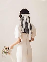 """זול -שכבה אחת מסוגנן / Sweet Style הינומות חתונה צעיפי כתף עם קשת סטאן 15.75 אינץ' (40 ס""""מ) טול"""