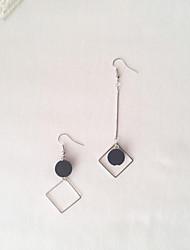 cheap -Metalic Earring with Solid / Pom-pom 1 Pair Wedding / Daily Wear Headpiece
