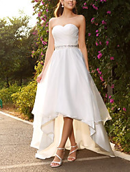 cheap -A-Line Wedding Dresses Strapless Asymmetrical Satin Tulle Sleeveless Beach with Sashes / Ribbons 2021
