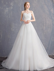cheap -Ball Gown A-Line Wedding Dresses Strapless Court Train Tulle Sleeveless Formal Elegant with Pleats 2020