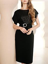 billige -Tube / kolonne Elegant Glitrende Bryllupsgjest Cocktailfest Kjole Besmykket Kortermet Knelang Paljetter med Belte / bånd Paljett 2020