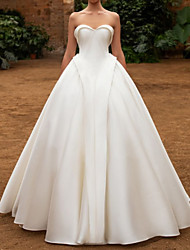 cheap -Ball Gown Wedding Dresses Sweetheart Neckline Floor Length Satin Sleeveless Vintage with Pleats 2021