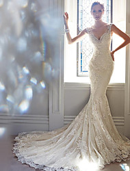cheap -Mermaid / Trumpet Wedding Dresses V Neck Court Train Lace Sleeveless Formal Elegant with Beading Appliques 2020