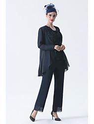 cheap -Pantsuit / Jumpsuit Mother of the Bride Dress Plus Size Elegant Bateau Neck Floor Length Chiffon Sleeveless with Beading 2021