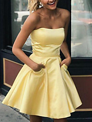 cheap -A-Line Hot Flirty Homecoming Cocktail Party Dress Strapless Sleeveless Short / Mini Satin with Sleek Pleats 2020